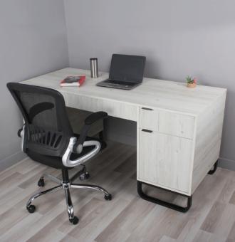 AROS-desk-setup1